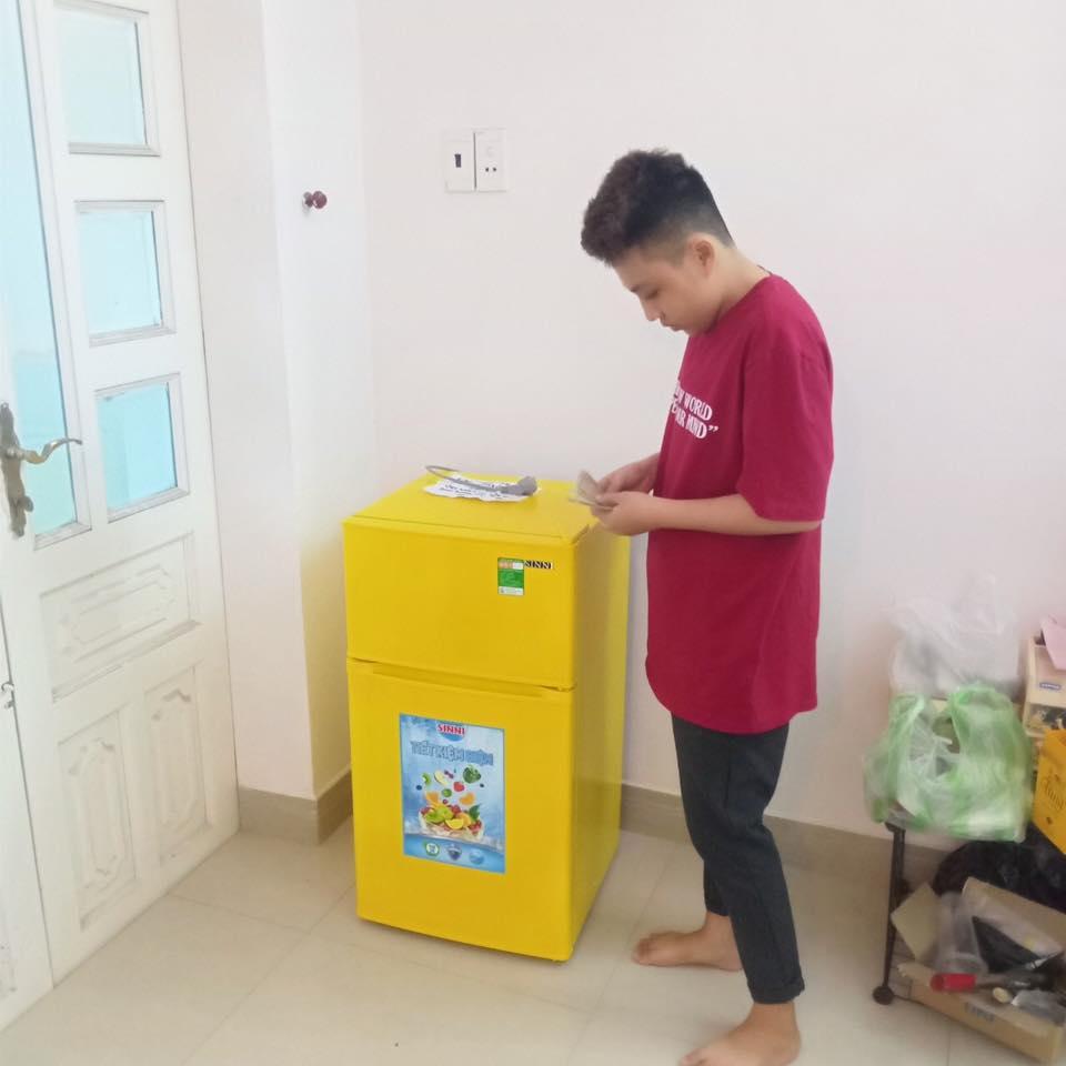 tủ lạnh mini 90 lit 2 cua sinni mau vang